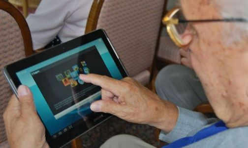 Gadgets And Smart Gears For Seniors