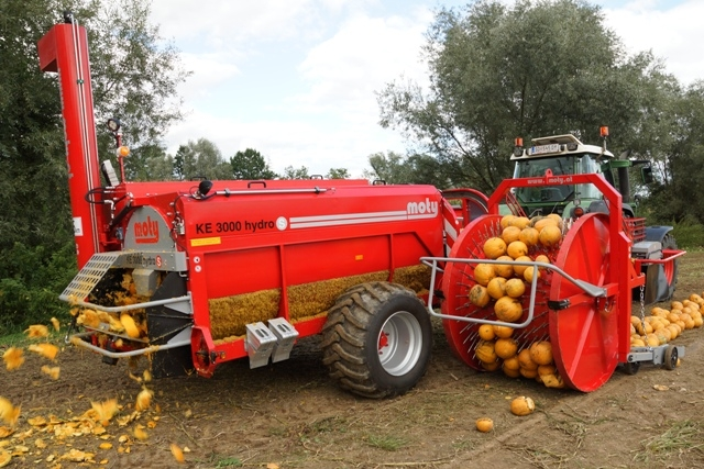 Hydraulic Pumpkin for Seed Harvesting
